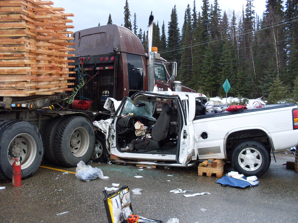 Prince George Free Press » Pickup truck crashes into tractor-trailer