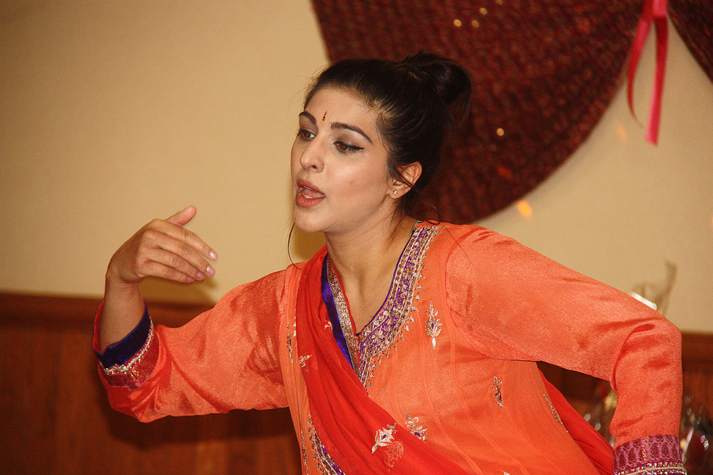 Monita Ranu (along with Mina Bhandari) performs a semi-classical Bollywood Dance on Saturday to celebrate Holi (Festival of Colours) at the Day's Inn. The event included a dinner, dance, singing and party games. Teresa MALLAM/Free Press