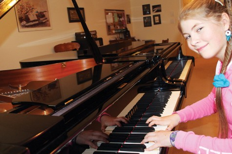Sadie Bialuski practises her nature-themed On The Lake piano piece for Piano Music for Earth Day Concert and Sale (of CDs) on Saturday, April 18. The concert starts at 2 p.m. at St. Andrew's United Church, 3555 Fifth Avenue and features several talented pianists. Teresa MALLAM/Free Press